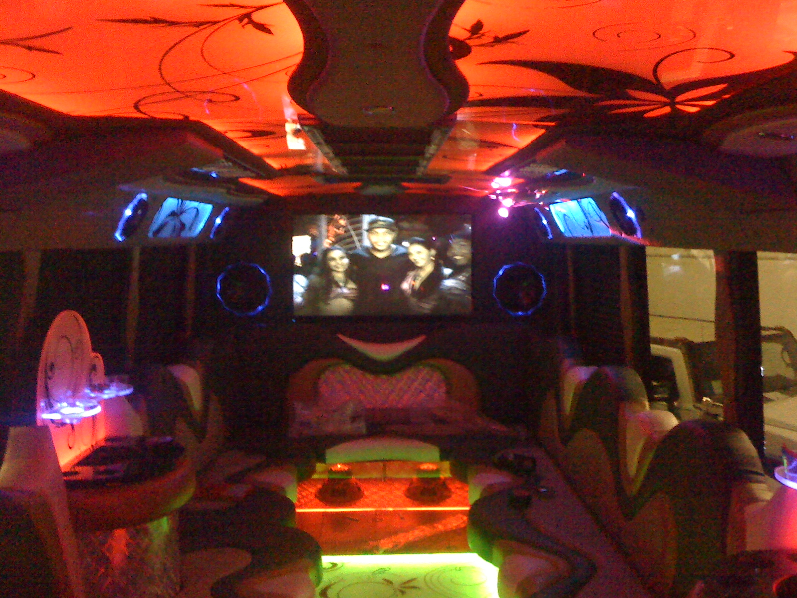 Chicago Party Bus (Building)
